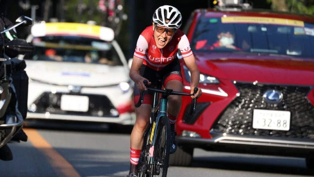 Tokyo 2020 Olympics – Anna Kiesenhofer wins women's road race in seismic  shock as Dutch super squad blow it - Eurosport